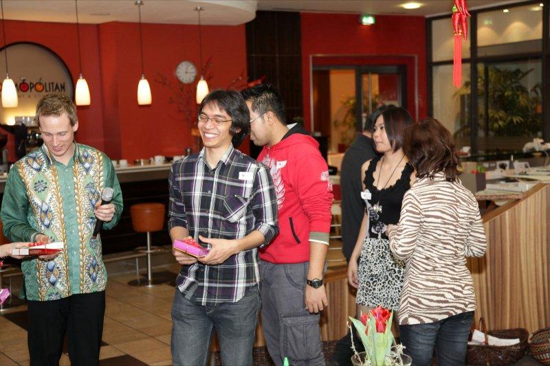 205_MCD_CNY_2011
